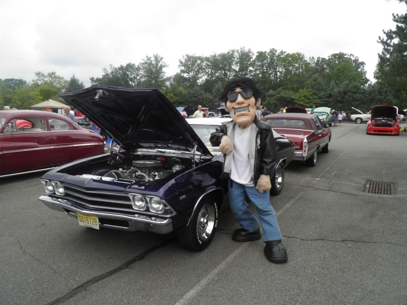 2 Kids Foundation Car Show