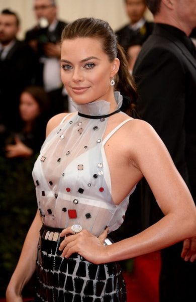 """NEW YORK, NY - MAY 05:  Margot Robbie attends the """"Charles James: Beyond Fashion"""" Costume Institute Gala at the Metropolitan Museum of Art on May 5, 2014 in New York City.  (Photo by Dimitrios Kambouris/Getty Images)"""