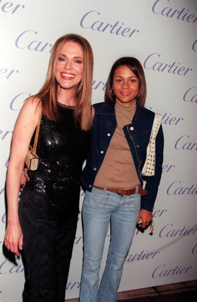 """381685 12: Actress Peggy Lipton with her daughter, Kidada Jones (her father is producer Quincy Jones) attend Cartier Haute Joaillerie 2000 """"Perles Et Diamants"""" held at Eurochow November 9, 2000 in Los Angeles, CA. (Photo by Newsmakers)"""